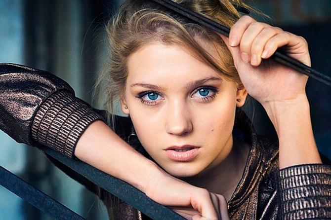Актриса Кристина Асмус выбрала крестную для дочери