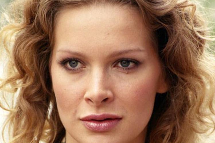 Александра Флоринская (по паспорту Буданова) родилась 26 сентября 1977 года