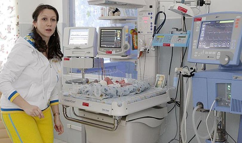 Уход за преждевременно рожденным ребенком: что нужно знать маме «торопыжки»