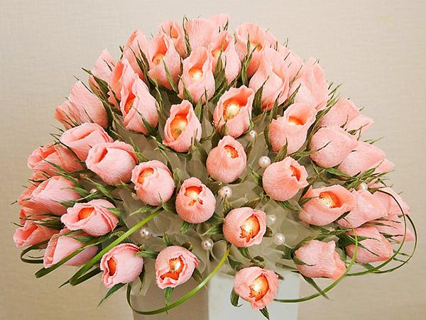 Букеты с цветов с конфетами