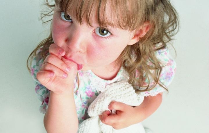 Вредные привычки детей: чем это вызвано?