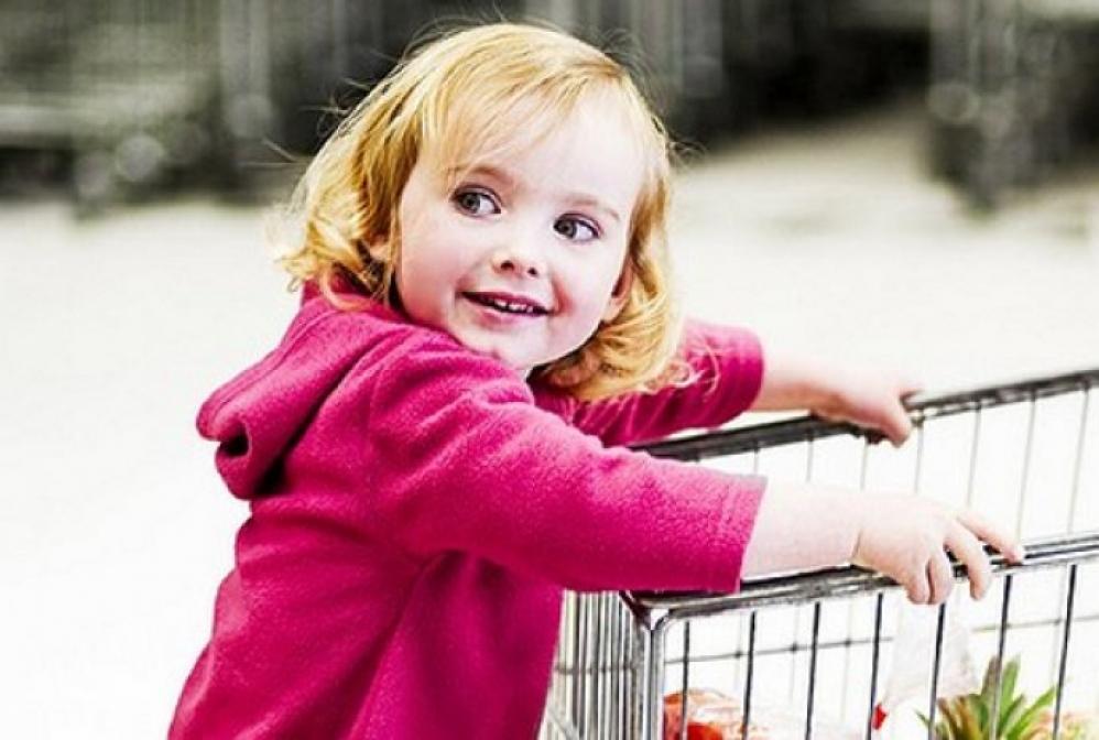 Дитина в магазині