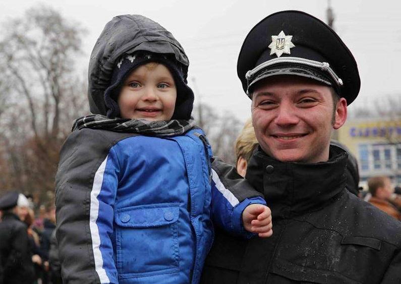 """Анастасия Деева: """"Почему не стоит пугать маленьких украинцев людьми в полицейской форме»"""
