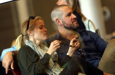 В 2010 году Риз встречается с Джимом Тотом, голливудским агентом