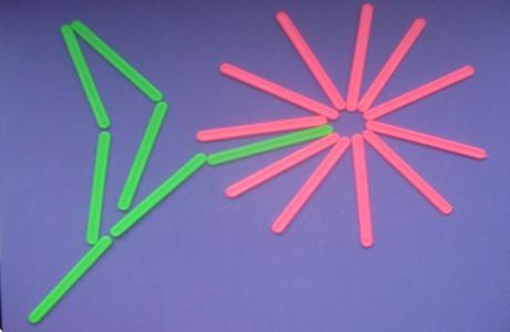 Для того, чтобы научить ребенка считать до ста, приобрети счетные палочки