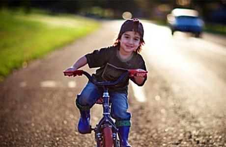 Двухколесный велосипед для деток постарше