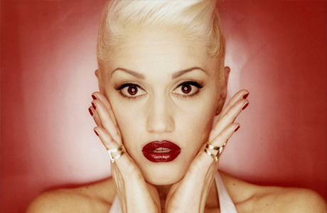 Харизматичная блондинка