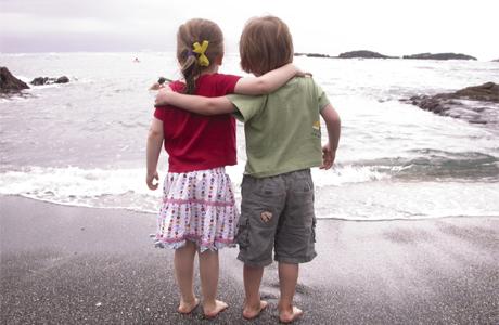 С кем тогда будут дружить и встречаться ваши дети?