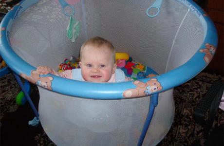 Круглый манеж для ребенка