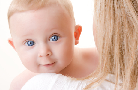 Нравится ли малышу няня?
