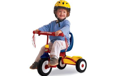 Трехколесный велосипед для самых маленьких