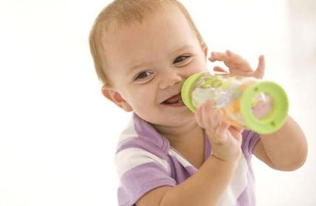 Давай ребенку пить