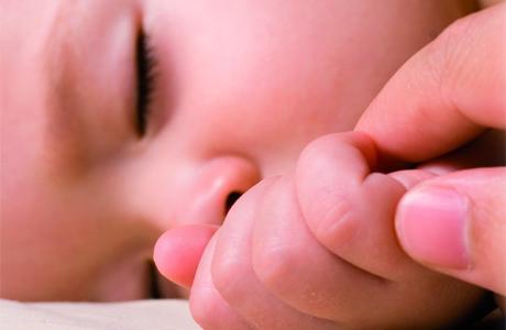 Во сколько укладывать малыша спать