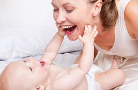 Выберите спокойные занятия, чтобы малыш не перевозбудился