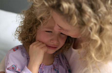 Если ребенок жалуется на боли в животе