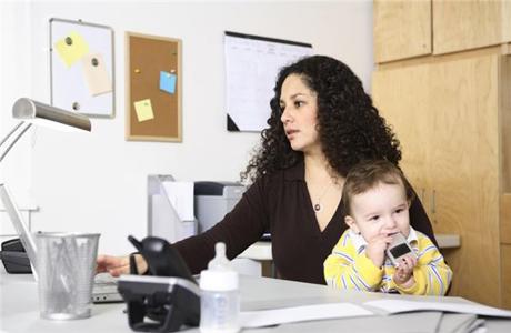 Возьми малыша в рабочий кабинет