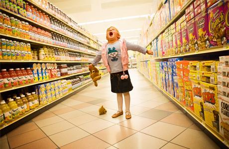 Как ходить с ребенком по магазинам без слез и истерик