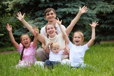 Воспитание ребенка в многодетной семье