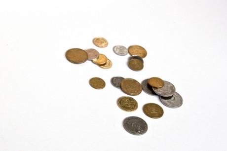Дети глотают монеты