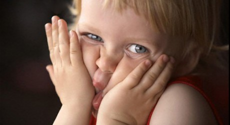Как часто брать ребенка на руки?