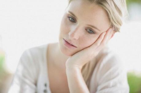 Причиной слабости является проявления анемии