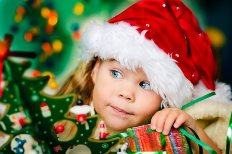 Что подарить малышу на Новый год