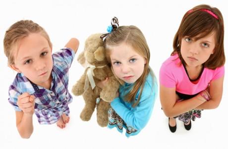 Девчонки - мстительность и агрессия