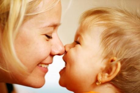 Эмоциональная связь мамы и малыша