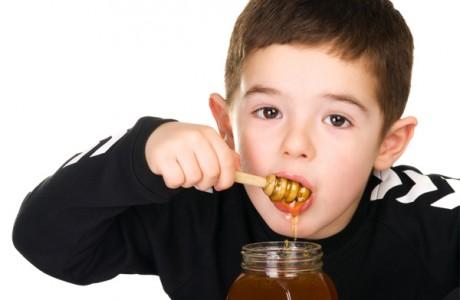 Мед для детей при болезнях