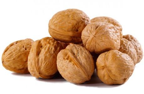 Молодая мама должна кушать грецкие орехи