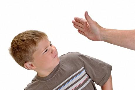 Битый малыш вырастает агрессивным