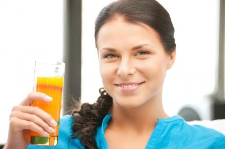Внеси в свой рацион свежевыжатые соки из моркови