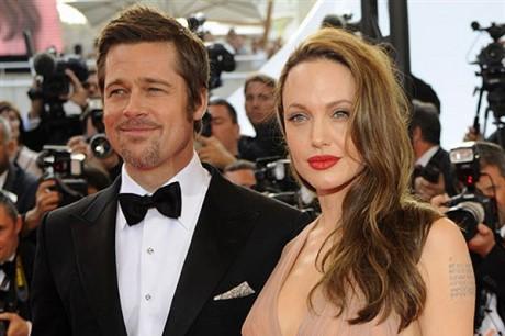 Джоли и Питт ждут двойню