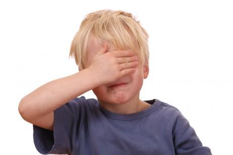 Стрессы в детстве влияют на психику человека