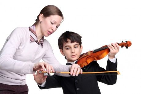 Научить говорить ребенка красиво поможет музыка