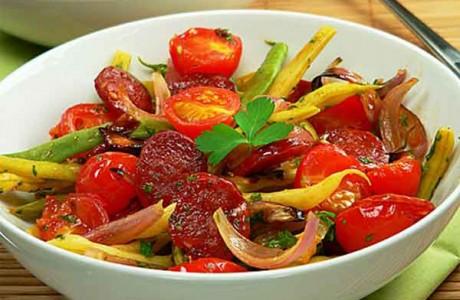 Хорошим дополнением станут салатики