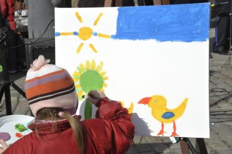 Юный художник весной