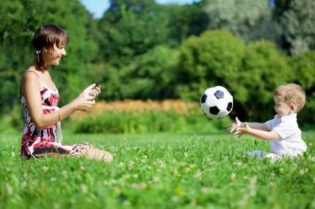 Играй с ребенком в подвижные игры