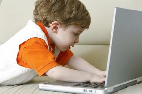 Дошкольники будут изучать компьютеры