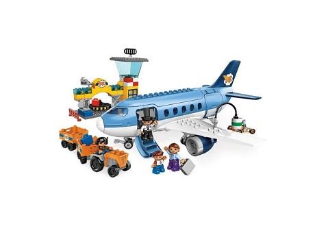 Детский конструктор LEGO. Аэропорт