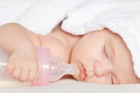 Соска на бутылочку для малыша