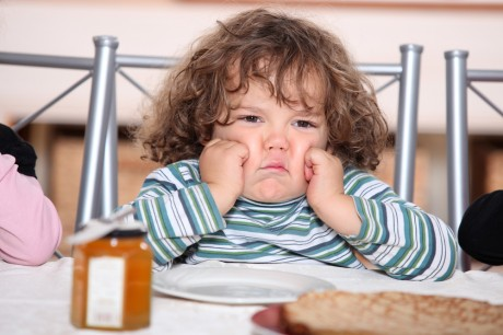 Детское ожирение развивается из-за равнодушия матери