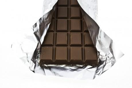 Только черный шоколад для ребенка
