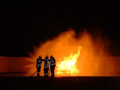 Фанаты Евро-2012 спалили квартиру многодетной семьи