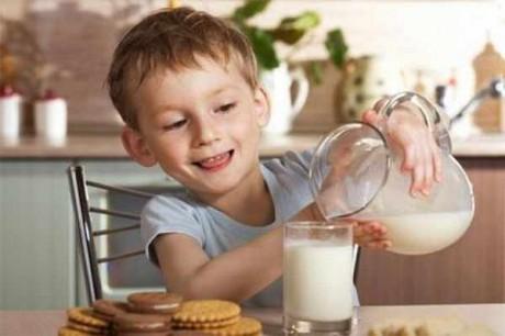 Коровье молоко в питании детей