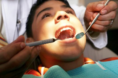 Пломбы в зубах детей