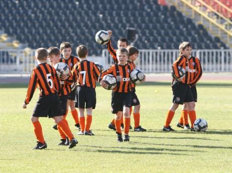 Дети-сироты сыграют в чемпионате по футболу