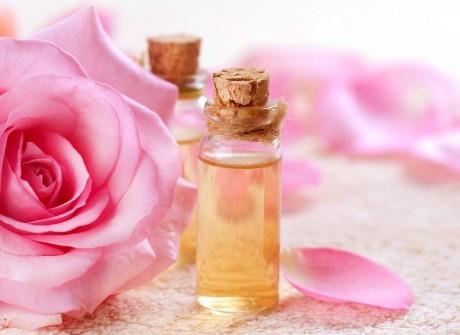 Рекомендуется пить отвары из лепестков розы