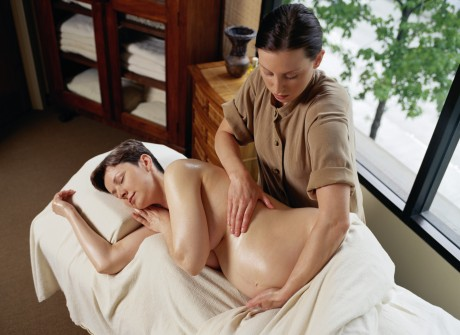 Уход за телом очень важен во время беременности