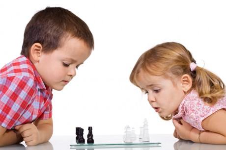 Дети интересуются шахматами